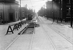 History of the Toronto Transit Commission - Looking down Queen Street East westward from River Street in 1917