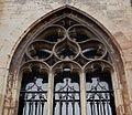 2016-Maastricht, St-Servaasbasiliek, Pandhof, oostelijke kloostergang, raam 5a.jpg