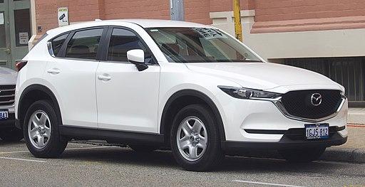 2017 Mazda CX-5 (KF) Maxx 2WD wagon (2018-11-02) 01