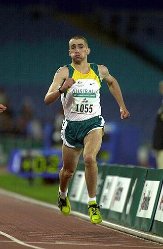 Tim Sullivan (athlete) - Action shot of Sullivan winning gold in the 200 m T38 at the 2000 Summer Paralympics