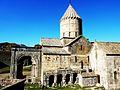 487 Monastère de tatév L'église Saint-Pierre-et-Saint-Paul vue du côté.JPG