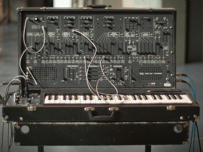File:ARP 2600 synthesizer, Energo 2011.jpg