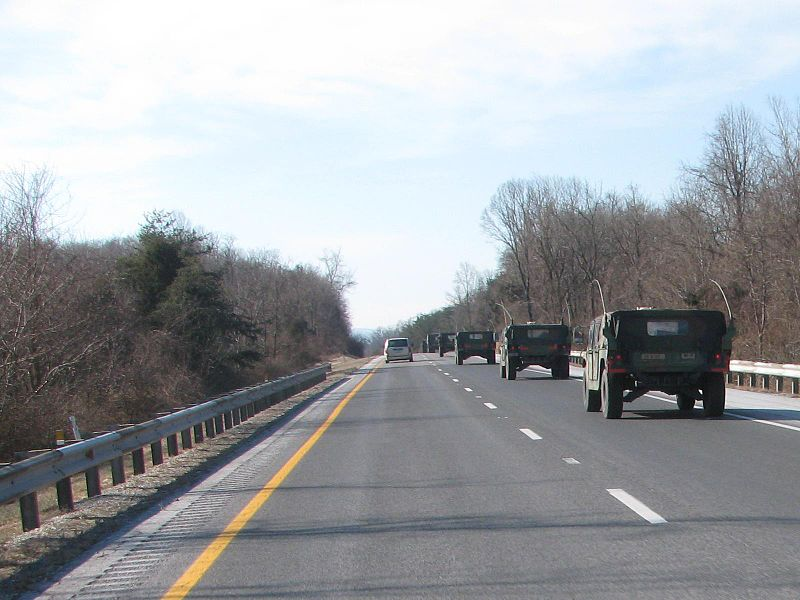 File:A military convoy of Hummers leaving DC the day after the Inauguration of Barack Obama.jpg