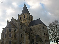 Abbaye-de-Cerisy contre plongée.JPG