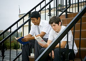 English: students reading