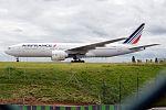 Air France, F-GSPS, Boeing 777-228 ER (28427454206) (2).jpg