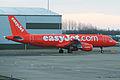 Airbus A320-214 G-EZUI Easyjet (6953564369).jpg