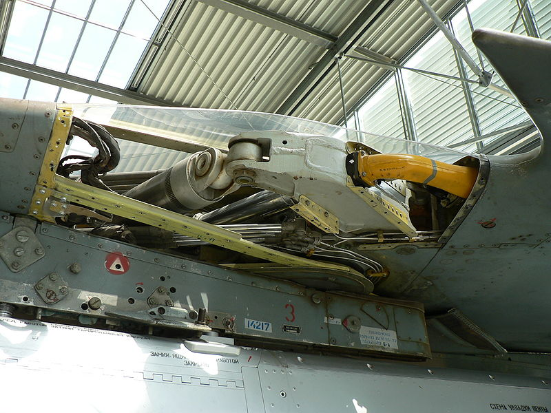 File:Aircraft engine MiG-23 sweep wing mechanism.jpg