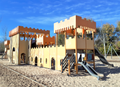 Alcalá de Henares (RPS 17-12-2017) Isla del Colegio. Espacio recreativo infantil.png