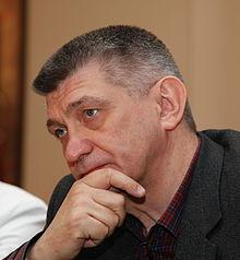 http://upload.wikimedia.org/wikipedia/commons/thumb/8/85/Alexander_Sokurov_001_cropped.jpg/220px-Alexander_Sokurov_001_cropped.jpg