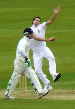 James Anderson (cricketer) - Anderson bowling against New Zealand in England