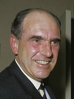 Andreas Papandreou (1968) 2 crop.jpg
