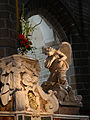 Ange Autel Cathedrale Saint-Pierre de Vannes 19082012.jpg