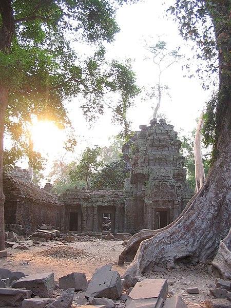 File:Angkor46.jpg
