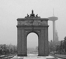 Arco De La Victoria Wikipedia La Enciclopedia Libre