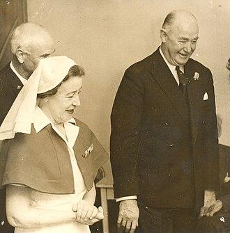 Arthur Porritt, Baron Porritt - Sir Arthur Porritt visits Levin War Veterans Home on 23 July 1969.