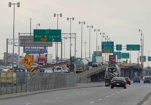 Quebec Autoroute 40 - Autoroute 40 and Chemin de la Côte-de-Liesse
