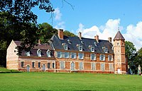 Avesnes-Chaussoy château 1a.jpg