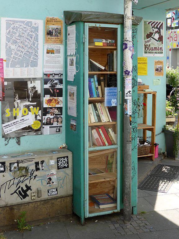 Datei:Bücherschrank Körnerstraße Ecke Stammstraße, Köln-Ehrenfeld (3 ...