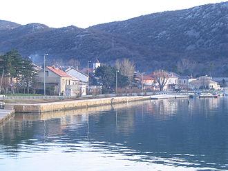 D8 road (Croatia) - D8 state road in  Bakarac running along the coastline