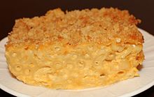 Baked macaroni and cheese close-up.jpg