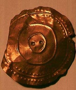 Banc Ty'nddôl sun-disc - Image: Banc Ty'nddôl sun disc