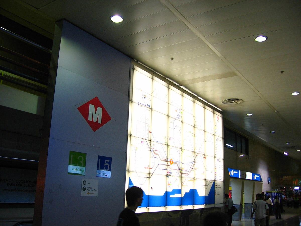 Barcelona Metro - Sants Estacio.jpg