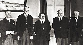 Józef Beck - Visit to Soviet Union, 1934. From right: Maxim Litvinov, Avel Enukidze,  Mikhail Kalinin, Józef Beck, Juliusz Łukasiewicz.