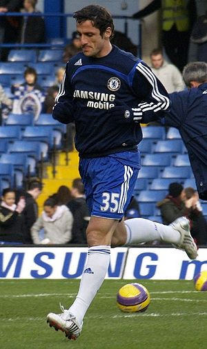 Juliano Belletti - Belletti warming up for Chelsea in 2008