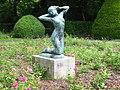 Berlin-Steglitz Stadtpark Josef Limburg Erwachendes Mädchen.JPG