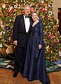 Bill and Hillary Clinton Christmas portrait 2000 (cropped1).jpg