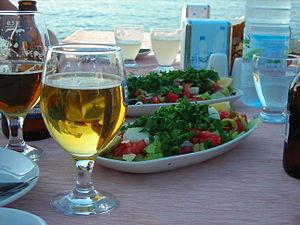 Çoban salatası - Choban salad served with beer