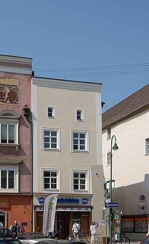 Braunau_-_Stadtplatz_14.jpg
