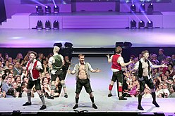 DDC mit Breakdance in Lederhosen