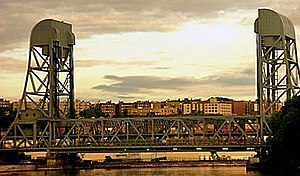 Broadway Bridge from train.jpg