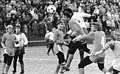 Bundesarchiv Bild 183-1987-0307-020, HFC Dynamo - FC Rot-Weiß Erfurt 2-0.jpg