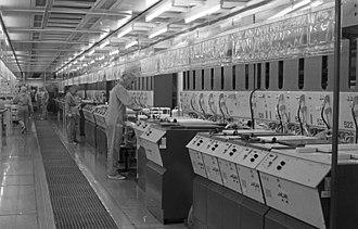 "Kombinat Mikroelektronik Erfurt - Cleanroom at VEB Mikroelektronik ""Karl Marx"" Erfurt (1989)"