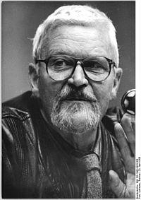 Bundesarchiv Bild 183-1990-0423-308, Berlin, VBK-Kongress, Jo Jastram.jpg