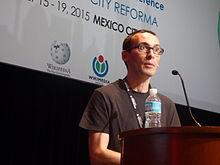 César Rendueles durante su conferencia en Wikimanía 2015 06.JPG