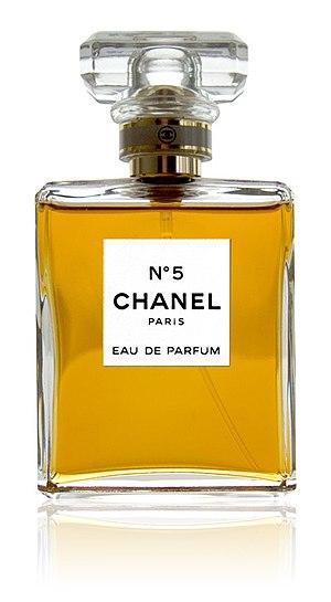 en: Chanel No.5 parfume