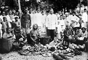 Tassilo Adam - Image: COLLECTIE TROPENMUSEUM Fruitmarkt te Sarolangun Jambi Sumatra T Mnr 10002439