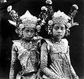 COLLECTIE TROPENMUSEUM Portret van twee jonge Balinese danseressen TMnr 10004687.jpg
