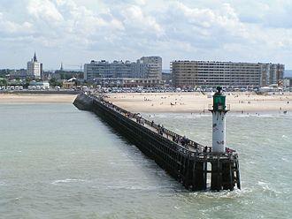 Communes of the Pas-de-Calais department - Image: Calais pier