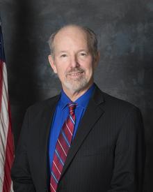 Alcalde de Calimesa Jeff Hewitt.png