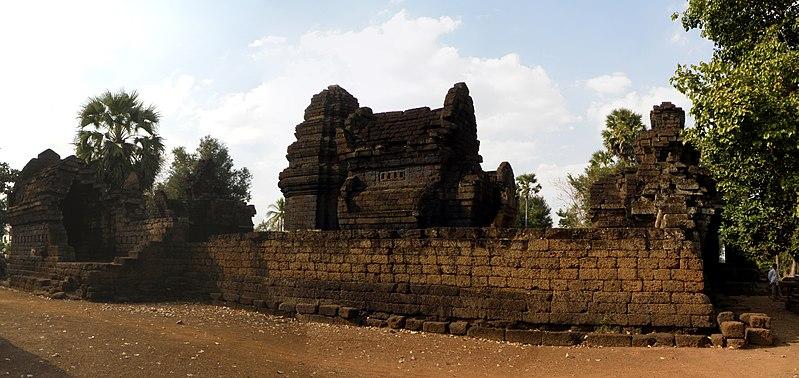 File:Cambodge-Kampong Cham-Vat Nokor.JPG