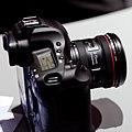 Canon EF 8-15mm f4 L USM (5029928956).jpg