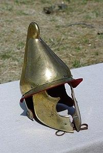 Casque soldat carthaginois Arverniales 2012.JPG