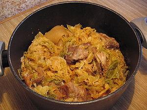 Lombard cuisine - A pot of cassoeula