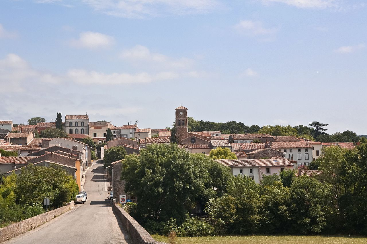 Vue générale du village de Cenne-Monestiés