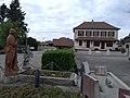 Centre du bourg de Châteauvilain.jpg